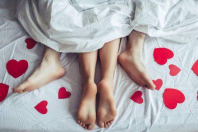 Nên hay không quan hệ tình dục khi có kinh nguyệt?